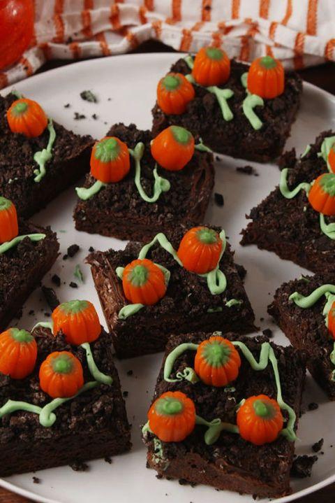 gallery-1505930239-delish-pumpkin-patch-brownies-pinterest-still003