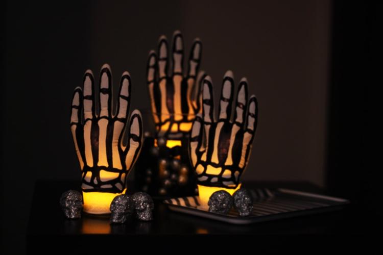 DIY skeletongloves