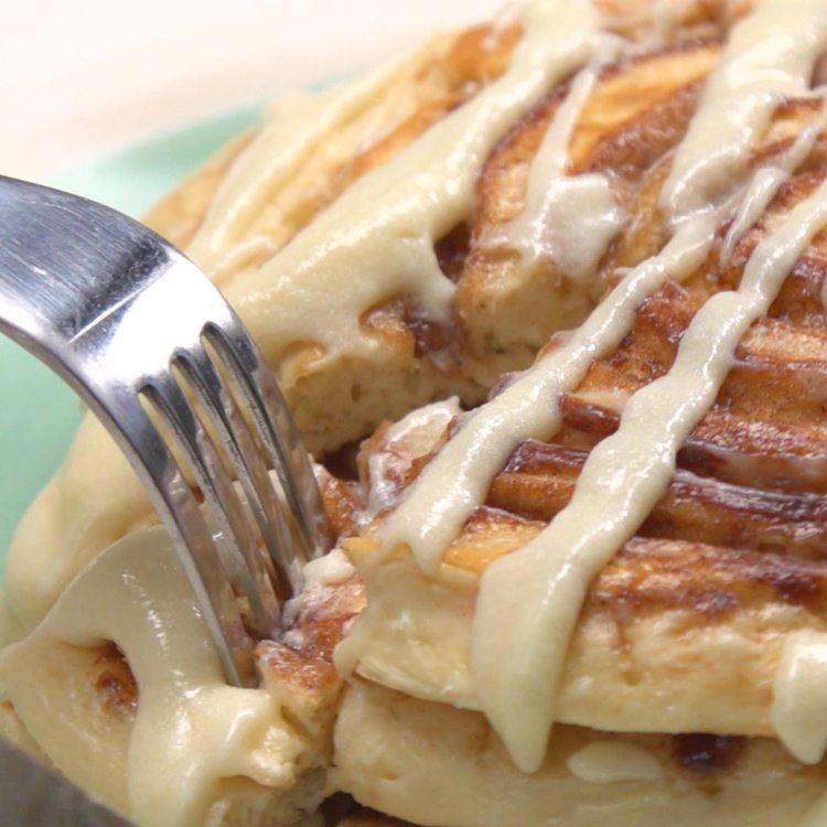 Cinnamon Roll Pancakes fork