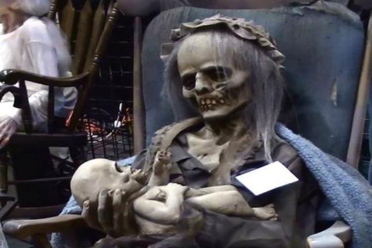 skeleton mombaby