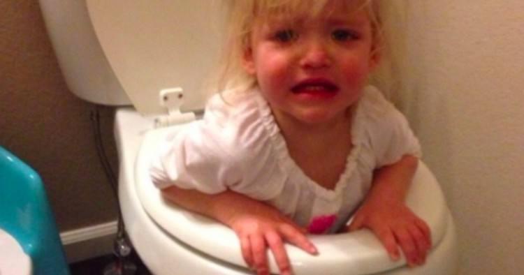 kid in toilet