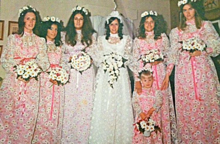 bridesmaid daisies