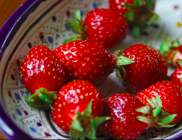 Image of bowl of strawberries