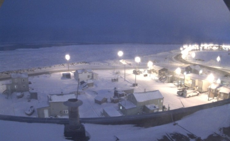 Alaska-polar-night-town