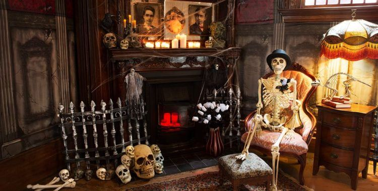 Haunted parlor decor.