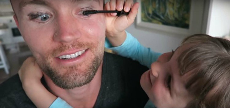 Pic of dad getting mascara on.