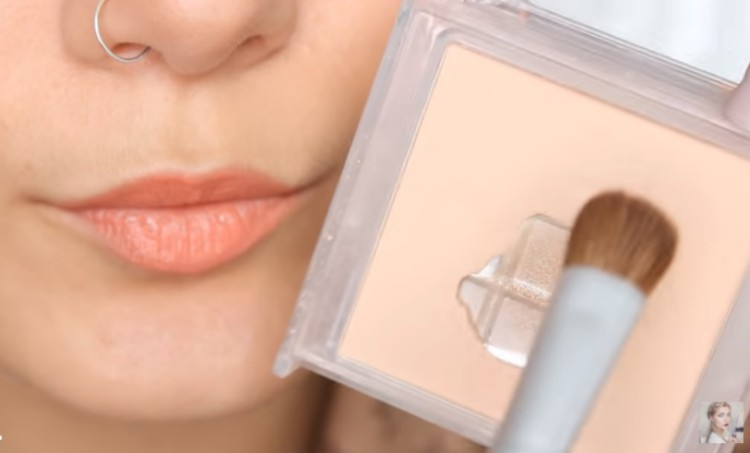 Face powder for lips.