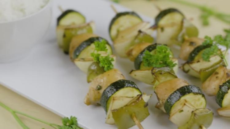 Healthy chicken skewers cost $1 per serving