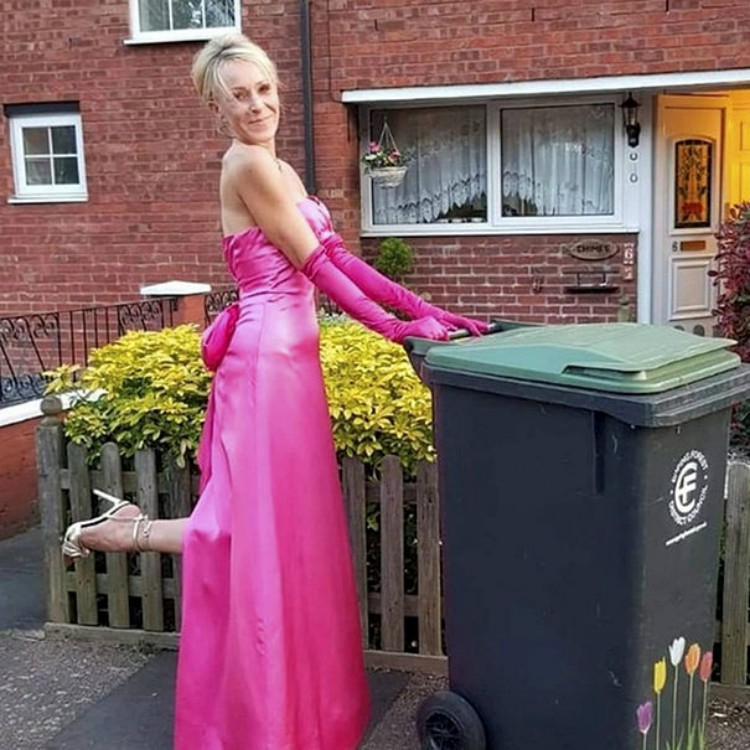 Woman Dresses Up to Take Out the Trash To Amuse Her Neighbors and Here Are 13 of Her Best Looks