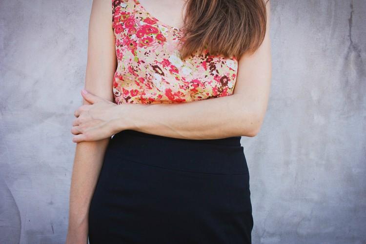 girl black skirt