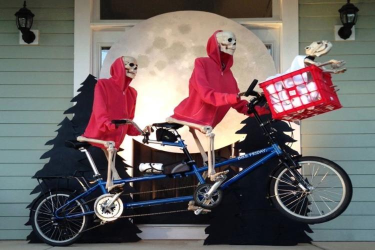 skeletons ET