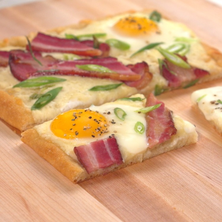 Breakfast tart made with bacon and eggs