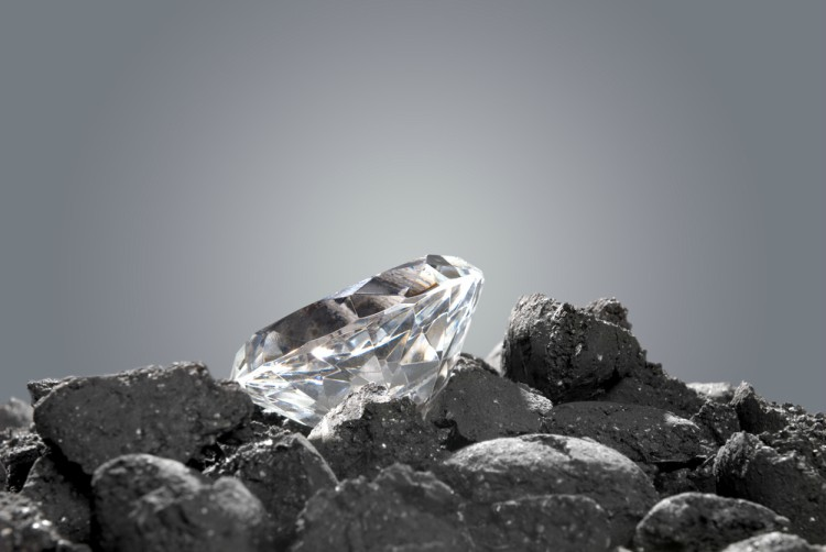 Image of diamond on coal.