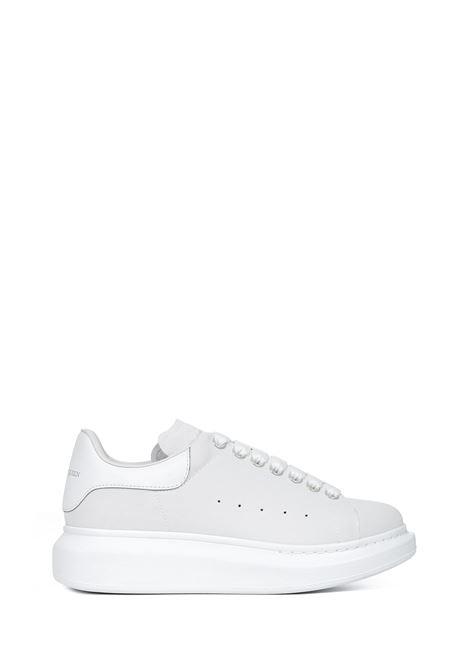 Alexander McQueen Larry Sneakers Alexander McQueen | 1718629338 | 621055W4NS19000
