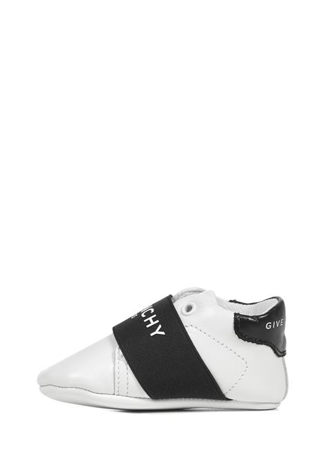 Givenchy Kids Sneakers  Givenchy Kids | 1718629338 | H9902410B