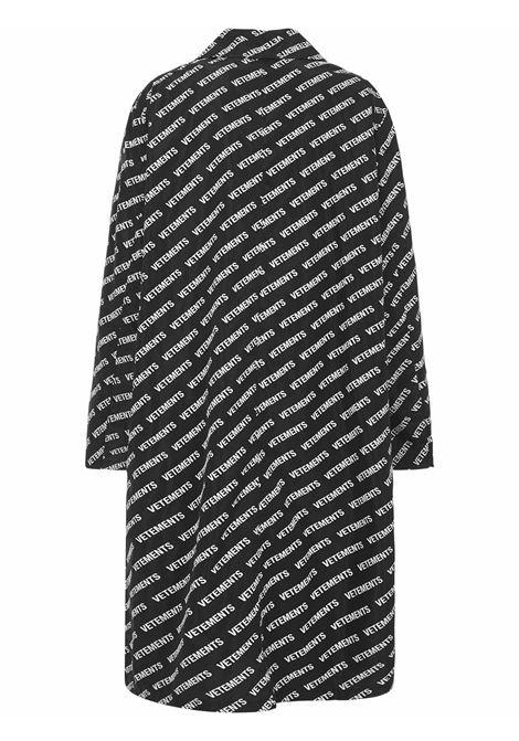 Vetements coat Vetements | 17 | UAH21JA0281008LOGO