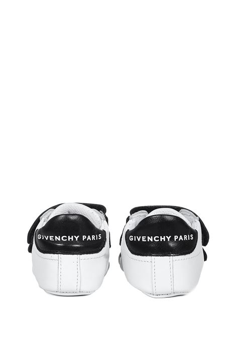 Givenchy Kids Sneakers  Givenchy Kids | 1718629338 | H9902710B