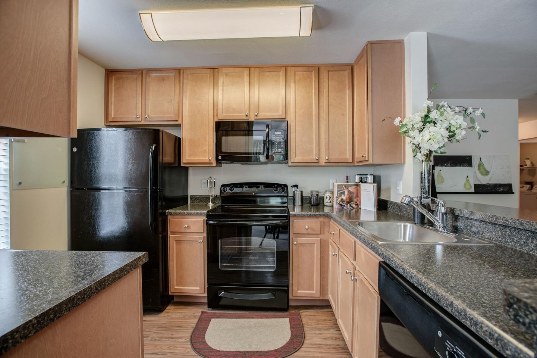 Kitchen at Cascades Overlook