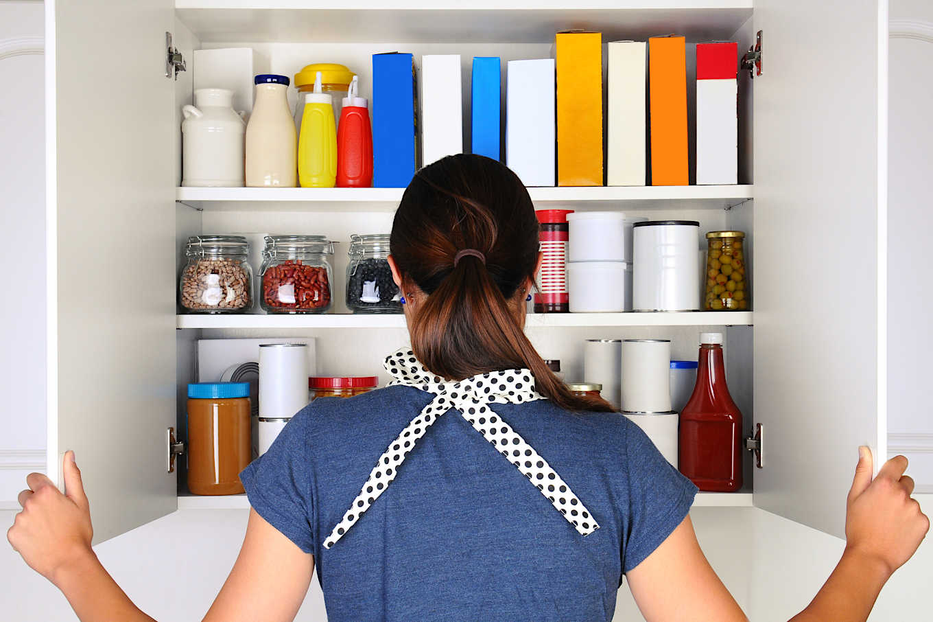 Does Your Pantry Need a Health Sweep? Here are 10 Things to Clear Out of Your Pantry Today