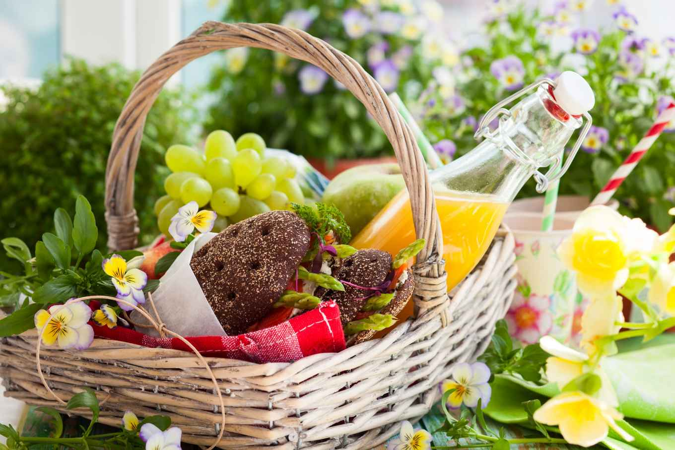 Wondering what to bring to a summer potluck or BBQ? Enjoy these three healthy fast ideas!