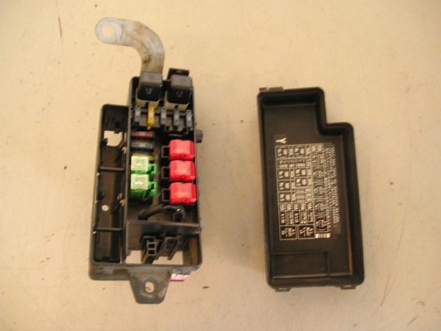 97 subaru impreza engine bay fuse box r6326 Cabin Fuse Box