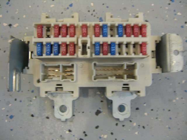 04 nissan 350z interior fuse box am600 nice interior fuse box off a 04 nissan 350z, automatic touring convertible r1783 2004 Nissan 350Z Fuse Box Diagram