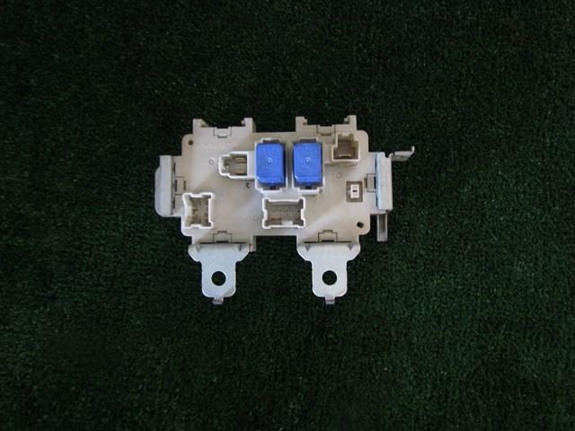 2005 Infiniti G35 Sedan A/T Interior Fuse Box