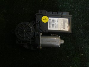 2004 Audi A8L D3 Front RH Power Window Motor 4E1 959 802