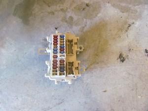 2006 infiniti m35 m35x interior fuse box eh102