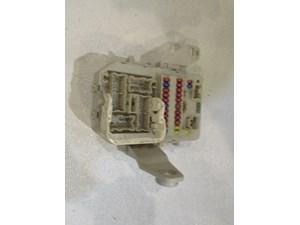 2004 infiniti m45 interior fuse box