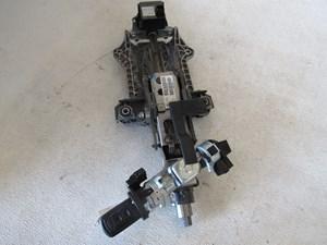 2005 Land Rover LR3 Steering Column w/Key QMB500650 & SRO500091