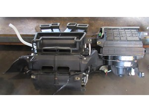 2005 Land Rover LR3 Heater Core Assy BAC500640 & JEC000753