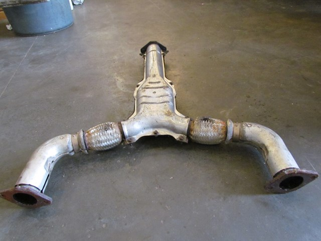 2003 Nissan 350z Exhaust Y Pipe Broken Mounting Stud See Pics: 2003 350z Exhaust At Woreks.co