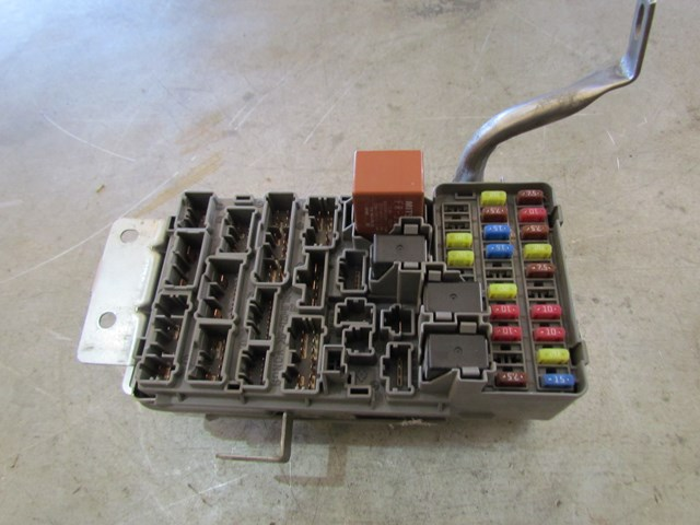 02 acura rsx fuse box 2004    acura       rsx    type s    fuse       box    dash s6m a01 000 in avon  2004    acura       rsx    type s    fuse       box    dash s6m a01 000 in avon