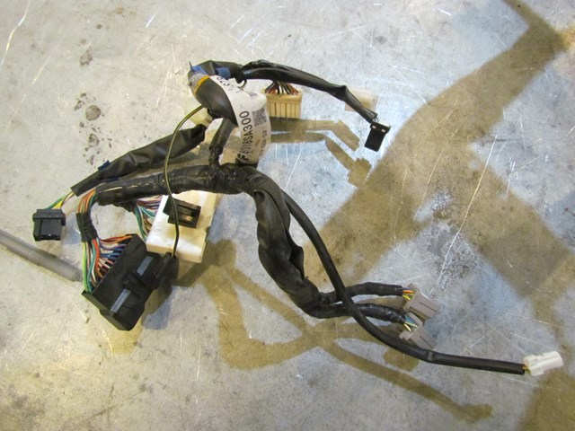 39760_f72eca1e 529d 4f77 8810 dce859db095f 2004 subaru forester xt turbo mt gauge cluster wire harness 81318sa300 2005 subaru forester xt engine wiring harness at readyjetset.co