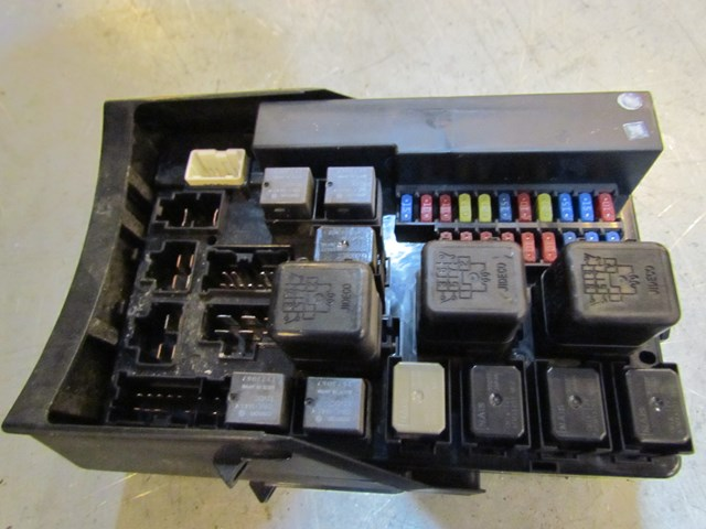 2003 infiniti g35 coupe at bcm fuse box ipdm 284b7al505 in fuse box for infiniti qx56