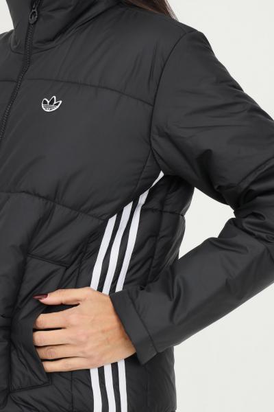 ADIDAS Giacca short puffer donna nero adidas con ricamo logo a contrasto  Giubbotti   GK8554.