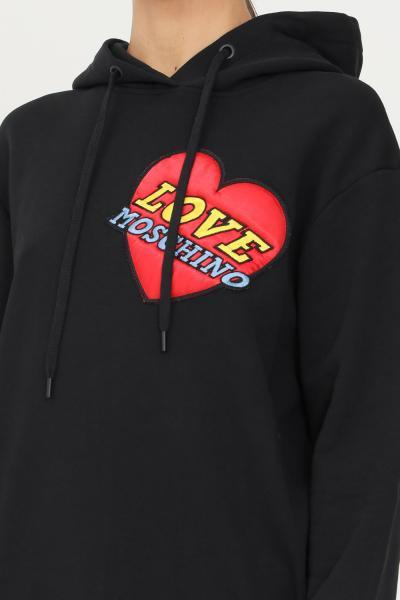 LOVE MOSCHINO Abito in felpa donna nero love moschino con cappuccio e maxi applicazione logo frontale  Abiti | W5B2480M4055C74
