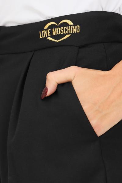 LOVE MOSCHINO Shorts donna nero love moschino con ricamo logo oro frontale  Shorts | WO16701S3668C74