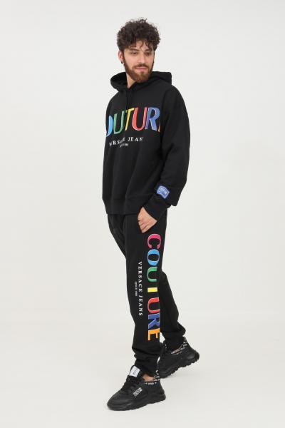 VERSACE JEANS COUTURE Pantaloni uomo nero versace jeans couture modello casual con stampa logo multicolor  Pantaloni   71GAAP01CF00P899