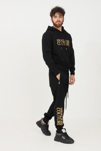 VERSACE JEANS COUTURE Pantaloni uomo nero versace jeans couture casual con ricamo logo oro  Pantaloni   71GAAT01CF00TG89(899+948)