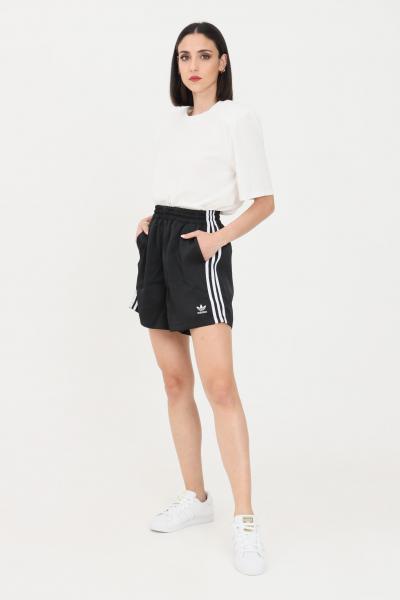 ADIDAS Shorts donna nero adidas sport con bande laterali a contrasto  Shorts   GN2774.