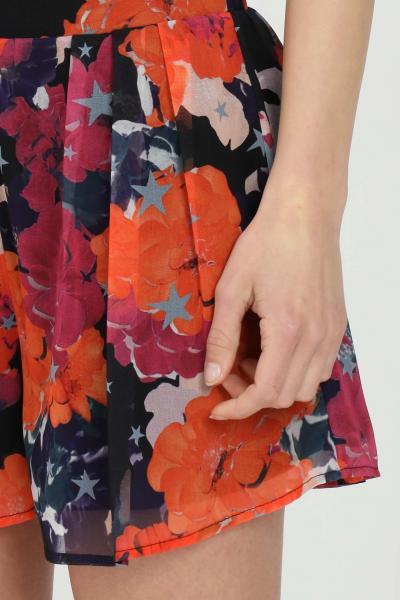 NBTS Shorts donna multicolor nbts a vita alta con stampa allover. Fondo ampio con leggera trasparenza  Shorts | NB21011.