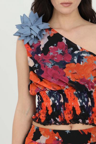 NBTS Top donna nero-rosso nbts casual asimmetrico con molla in vita e fiore sulla spalla. Stampa flower  Top | NB21037.