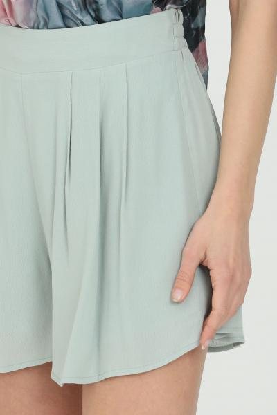 NBTS Shorts donna verde nbts casual n tinta unita a vita alta con elastico sul retro. Fondo ampio svasato  Shorts | NB21102.