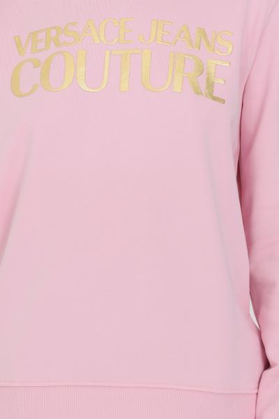 VERSACE JEANS COUTURE Felpa donna rosa versace jeans couture con cappuccio e lacci e maxi logo lettering frontale in oro  Felpe   B6HWA7TP30318402