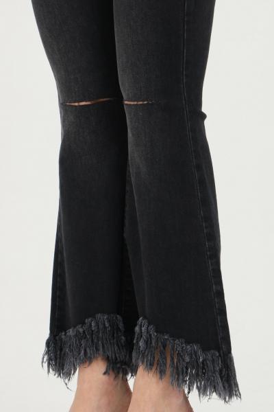 VICOLO Jeans donna nero vicolo a zampa con leggere abrasioni e tagli sul fronte. Vita alta con passanti per cintura. Fondo ampio sfrangiato  Jeans   DH0011NERO