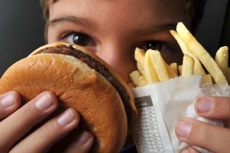 Adolescentes devem evitar o sobrepeso