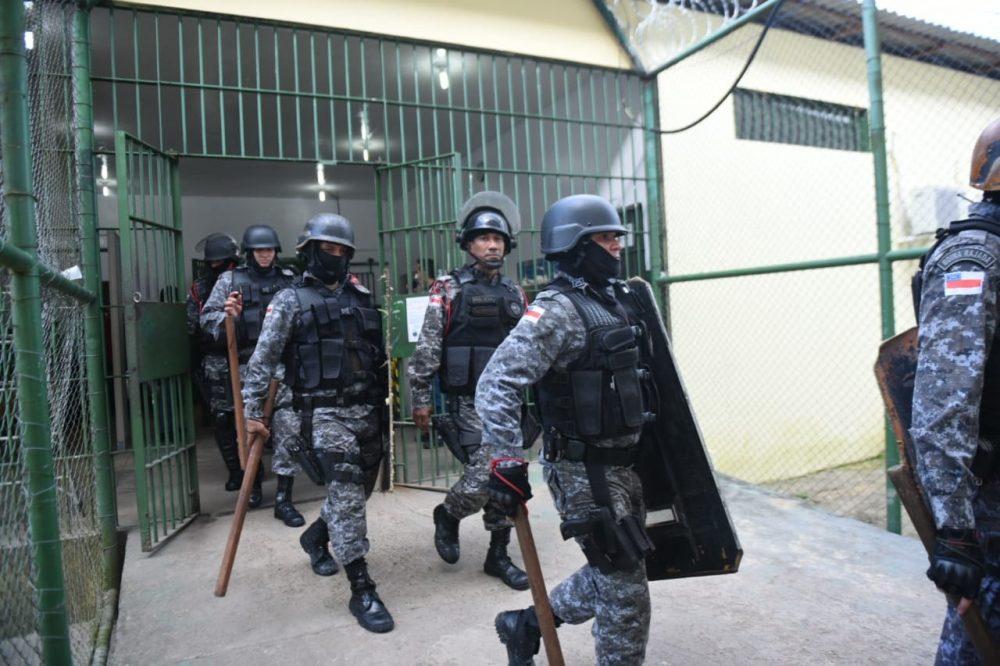 Após recontagem, 42 presos em três cadeias foram mortos por asfixia