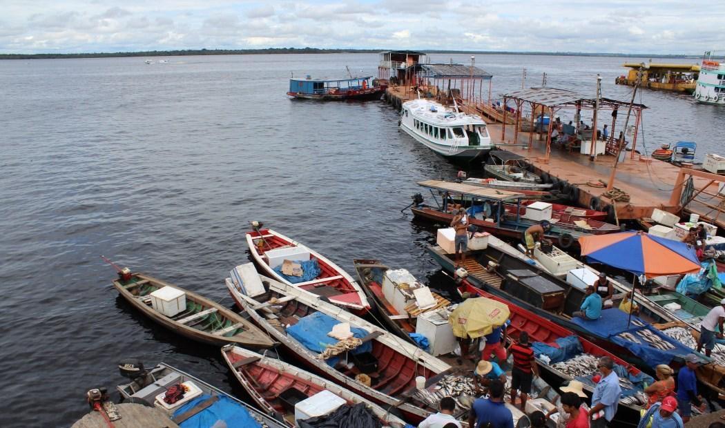 Fugindo da polícia, homem pula no rio na Manaus Moderna e morre afogado